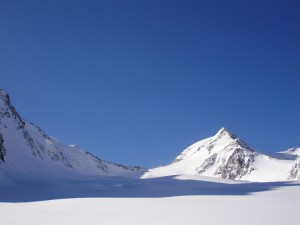 Traumhafte-Berglandschaft-Suedtirols